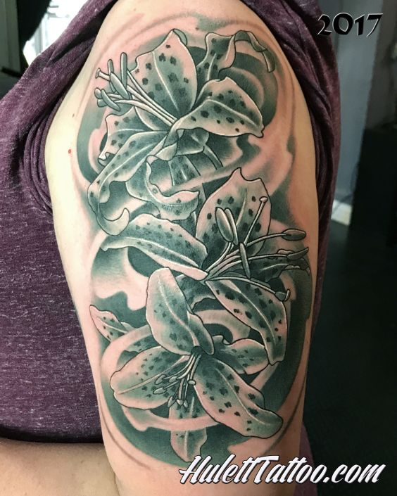 St Pete Tattoo Flowers Grey Scale Tattoo by Jeremy Hulett